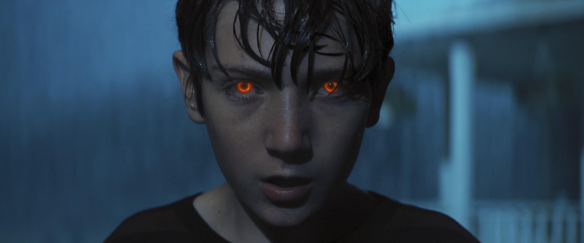 Hijo De La Escuridad (estreno)